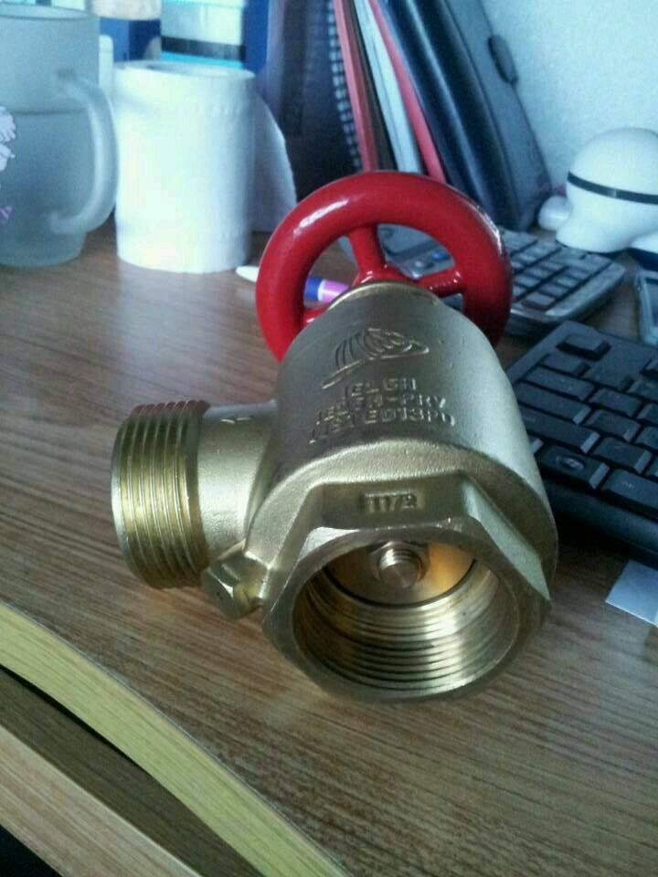采购铜材质的消防阀门图片